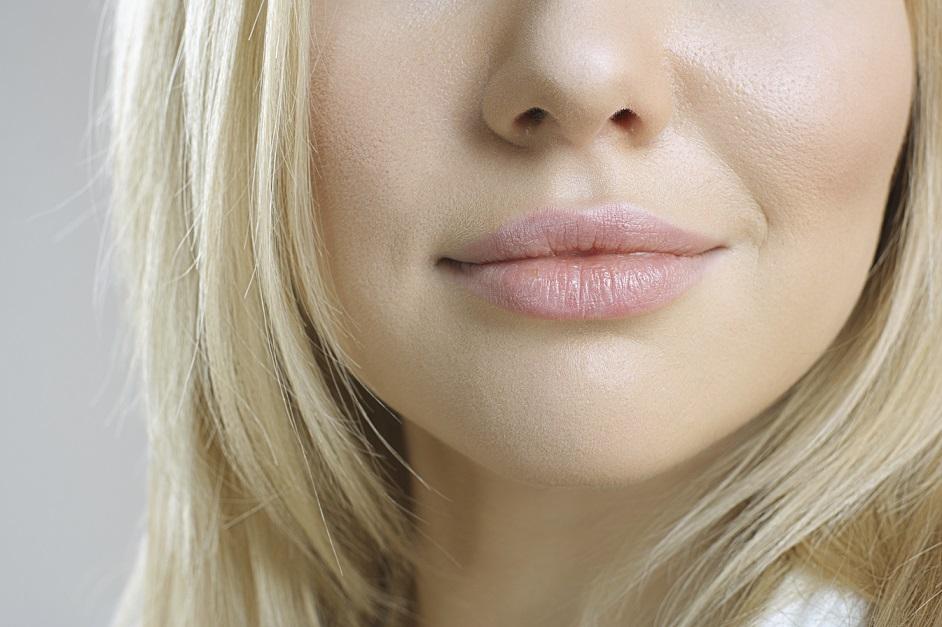 Her mit der Pflege - das brauchen Lippen im Winter